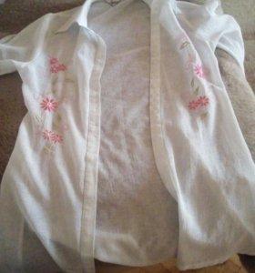 Блуза длинная белая с цветами