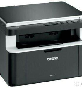 МФУ Принтер сканер копир Brother DCP-1512R