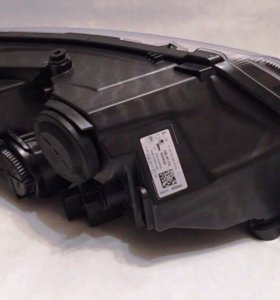 Фара передняя левая Skoda Rapid 5JB941017