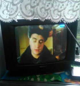 Телевизор 37см.