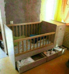 Детская кроватка,качеля,стул для кормления.