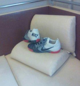 Продам бутсы-кроссовки