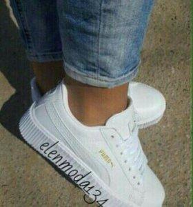 В наличии кроссовки