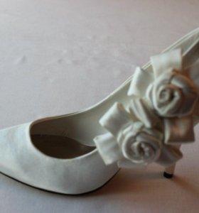 Новые свадебные туфли 37-37.5