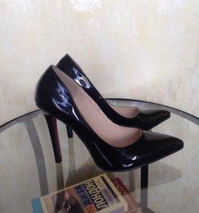 Туфли женские кожа лак
