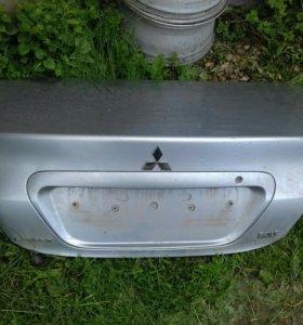 Крышка багажника для Мицубиси Лагсер 9