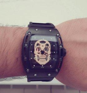 Часы Пескова.