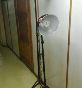 Лампа (стойка осветитель)