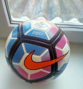 Мяч Английской Премьер-лиги. Футбольный