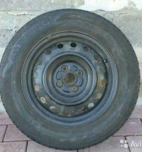 Комплект колес 195/65 R15 на дисках 6J×15 ET 45
