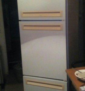 Холодильник стинол, в нормальном рабочем состояние