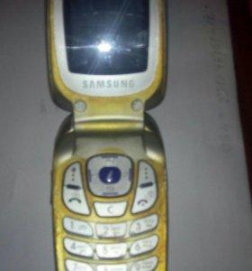 Самсунг е330n