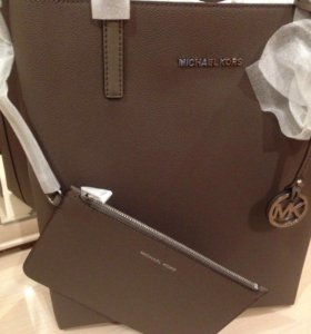 Новая сумка-шоппер Michael Kors