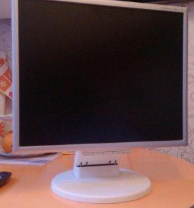Монитор Multi sync LCD 195vxm+