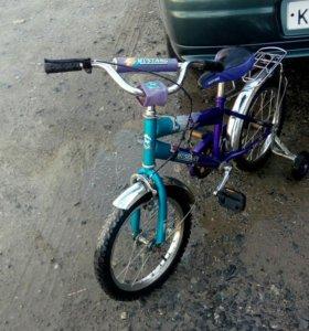 Детский велосипед на 4-7лет.