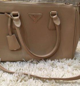 Качественная сумка, состояние отличное