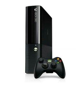 Xbox 360e + геймпад