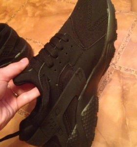 Продам Nike huarache