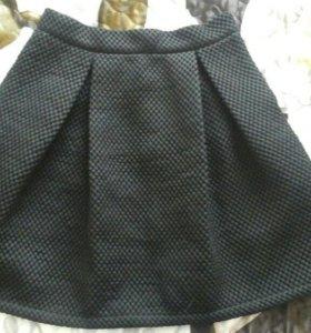 Чёрная юбка клёш