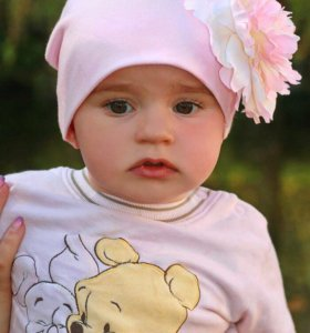 Шапочка на девочку на 1-2 годика