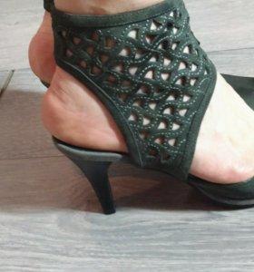 Новые туфли 39, замша, серо-оливковые