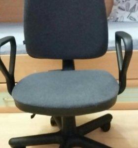 Компьютерное, офисное кресло
