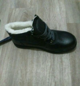Ботинки мужские, зимние, новые.