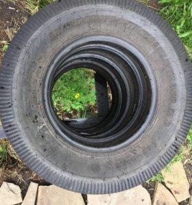 Всесезонные шины в хорошем состоянии 175/70/R14