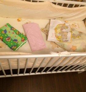 Кроватка, матрас, бортики