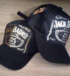 Модная кепка новая