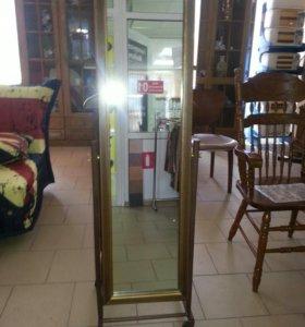 Зеркало с вешалкой