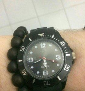 Новые стильные кварцевые часы