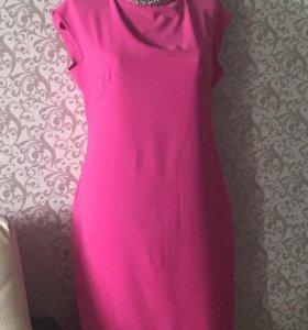 Продаётся платье нарядное