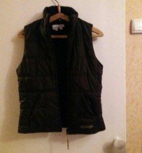 Куртка-безрукавка