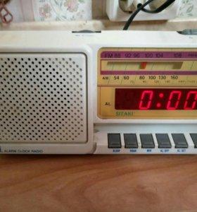 Радиоприемник/цифровые часы/будильник SITAKI