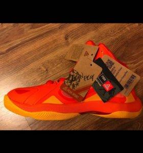 Новые баскетбольные кроссовки