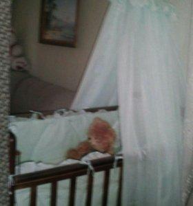 Детская кроватка + матрас+ постельное белье