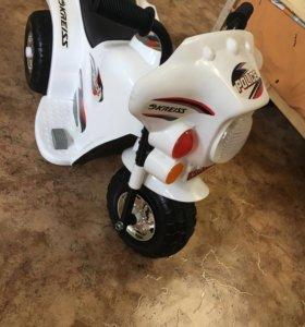 Детский скутер, новый.
