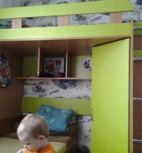 Кровать-чердак+стол с тумбой+стеллаж