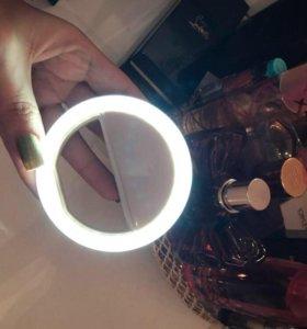 Световое кольцо для идеальных селфи