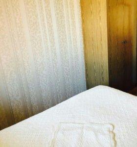 Кровать с матрасом+тумбочки+шкафы