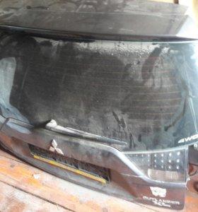 Митсубиси аутлендер XL 5-ая дверь крышка багажника