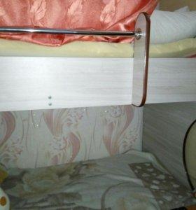 Продаю двухъярусная кровать.