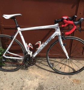 Велосипед шоссейный карбоновый