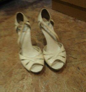 Обувь размер 38-39