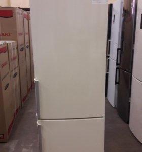 Новый холодильник Bosch KGV39XK23