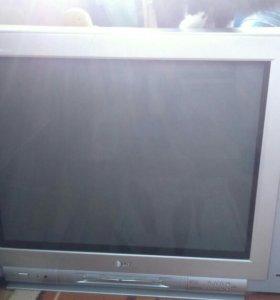 Телевизор LG флетрон,