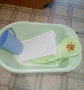 Стул для кормления и ванночка
