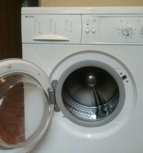 Стиральная машинка Indesit WG421TX