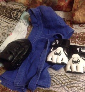 Кимоно, перчатки , лапа